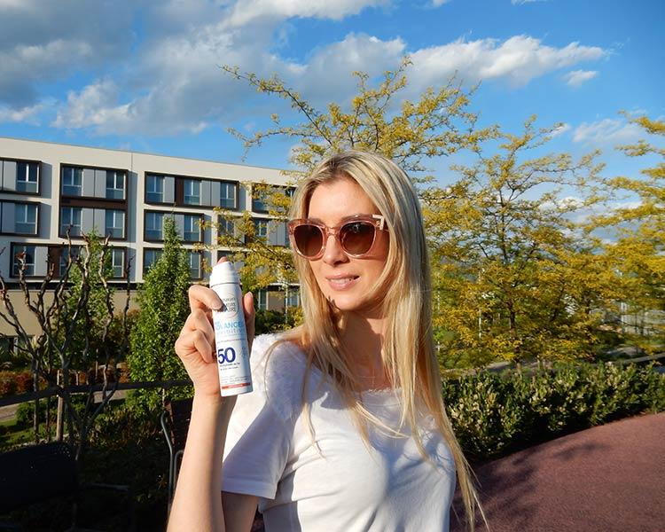 Oggi vi presento Ambre Solaire Spray Viso IP50+ è il primo spray di Garnier creato per proteggere la pelle dagli effetti nocivi del sole.